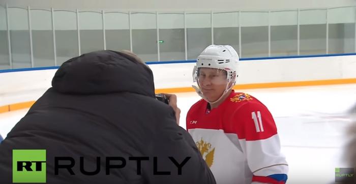 Στο χόκεϊ το έριξε ο ρώσος πρόεδρος Πούτιν- βίντεο
