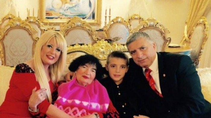 Η Μαρίνα Πατούλη απαντά για το «χρυσό σαλόνι»