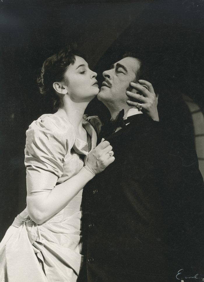 Δεσποινίς Τζούλια με τον Θάνο Κωτσόπουλο