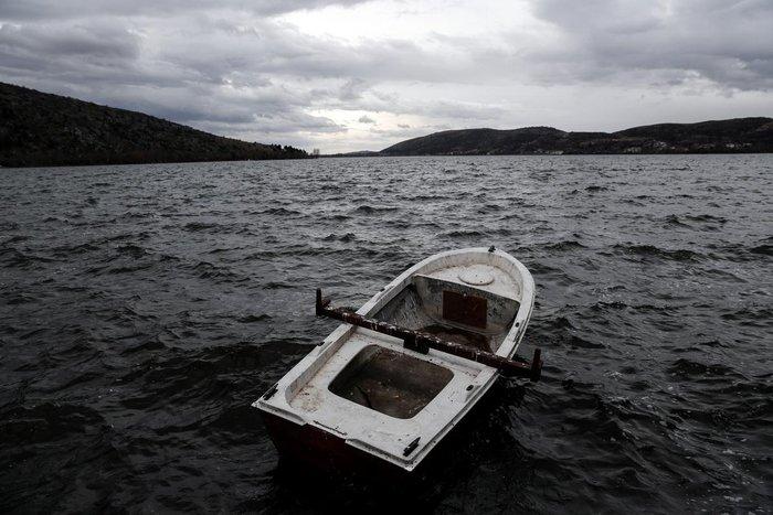Μαγευτικές εικόνες από τη λίμνη της Καστοριάς - εικόνα 9