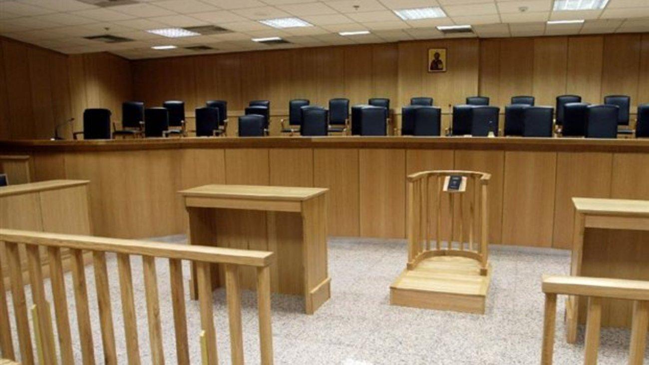 ... οι δικηγόροι από την Τρίτη |thetoc.gr