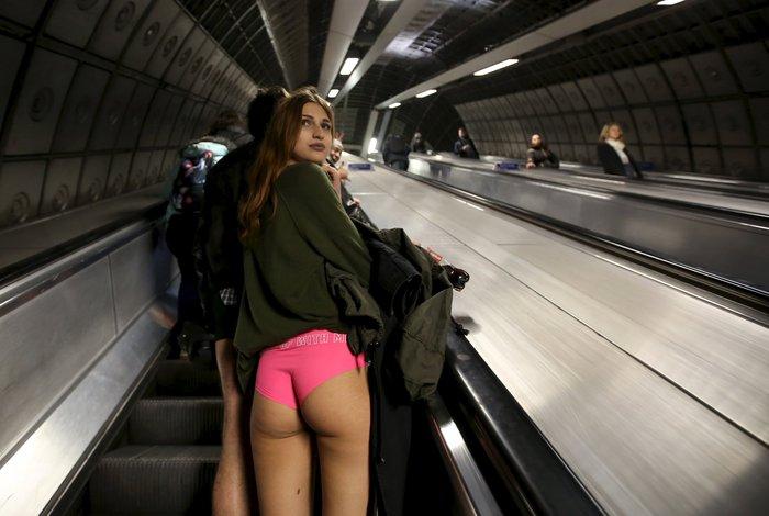 Ημέρα χωρίς...παντελόνια στο μετρό του Λονδίνου - εικόνα 7