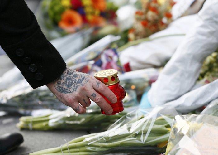 Λούλούδια & κεριά στα σπίτια του Μπάουι σε Βερολίνο - Λονδίνο- Ν.Υόρκη φωτό - εικόνα 4