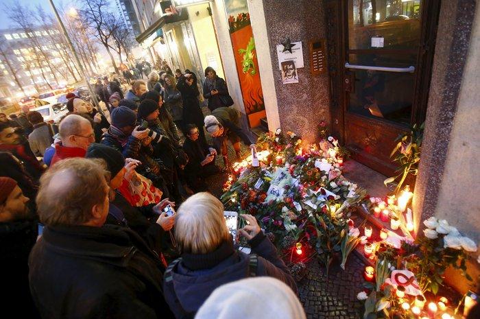 Λούλούδια & κεριά στα σπίτια του Μπάουι σε Βερολίνο - Λονδίνο- Ν.Υόρκη φωτό - εικόνα 21