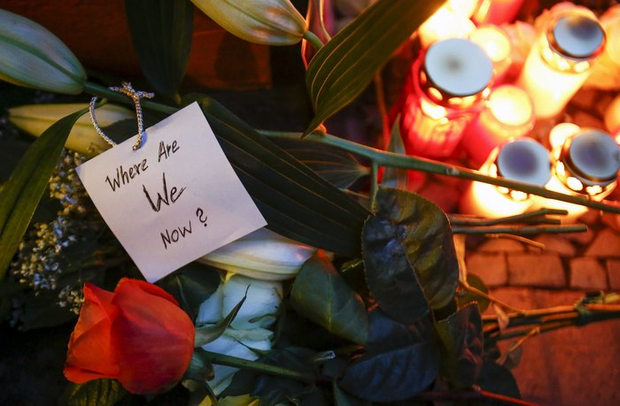 Λούλούδια & κεριά στα σπίτια του Μπάουι σε Βερολίνο - Λονδίνο- Ν.Υόρκη φωτό - εικόνα 22
