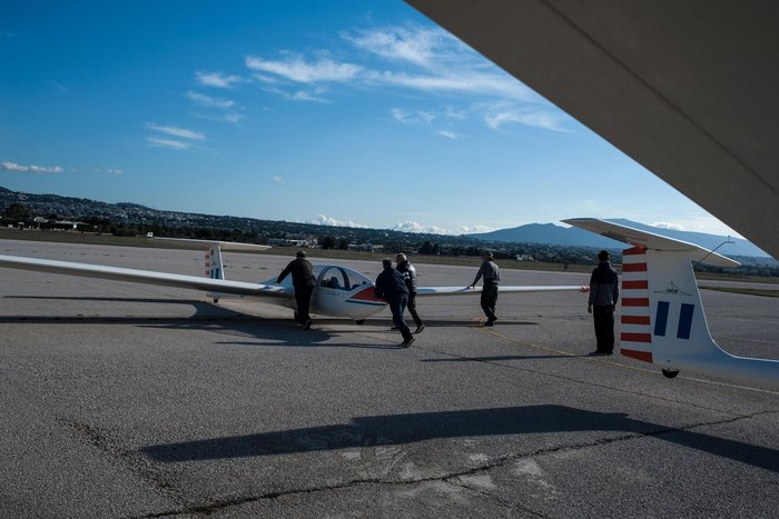 Εντυπωσιακές πτήσεις και εικόνες με ανεμόπτερα της ανεμολέσχης Αθηνών - εικόνα 7