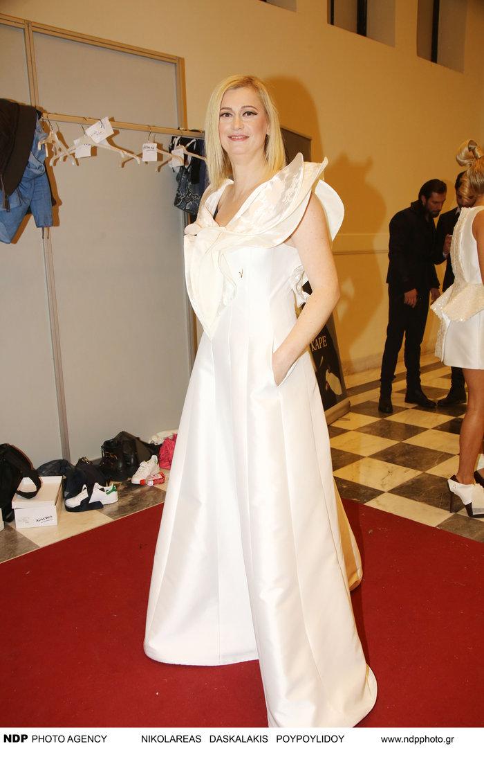 Η Ραχήλ Μακρή φόρεσε νυφικό και ανέβηκε στην πασαρέλα - εικόνα 6