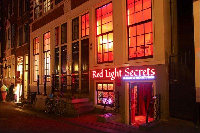 Σβήνουν τα «κόκκινα φανάρια» του ΄Αμστερνταμ. Το σεξ υπό διωγμό - εικόνα 4