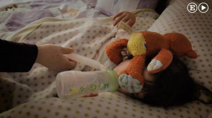 Η συγκλονιστική ιστορία του κοριτσιού που αν αποκοιμηθεί θα πεθάνει - εικόνα 4