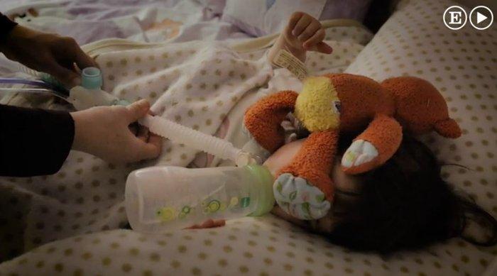 Η συγκλονιστική ιστορία του κοριτσιού που αν αποκοιμηθεί θα πεθάνει - εικόνα 5