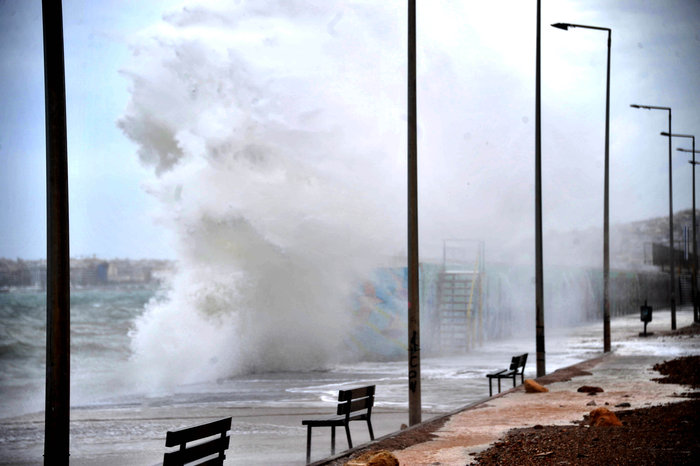 Φάληρο όπως... Μαϊάμι: Το εντυπωσιακό πέρασμα της κακοκαιρίας απ' την Αθήνα - εικόνα 7