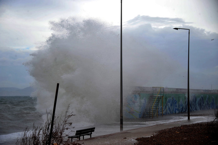 Φάληρο όπως... Μαϊάμι: Το εντυπωσιακό πέρασμα της κακοκαιρίας απ' την Αθήνα - εικόνα 13