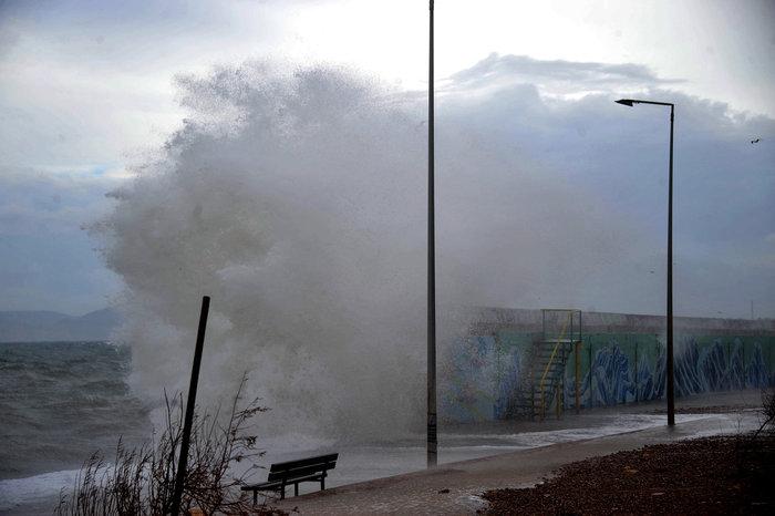 Φάληρο όπως... Μαϊάμι: Το εντυπωσιακό πέρασμα της κακοκαιρίας απ' την Αθήνα - εικόνα 16