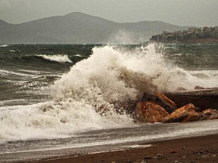 Φάληρο όπως... Μαϊάμι: Το εντυπωσιακό πέρασμα της κακοκαιρίας απ' την Αθήνα - εικόνα 28