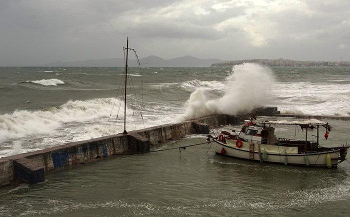Φάληρο όπως... Μαϊάμι: Το εντυπωσιακό πέρασμα της κακοκαιρίας απ' την Αθήνα - εικόνα 29