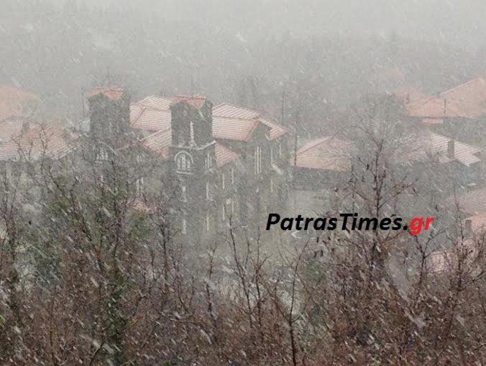 Με χιόνια ξύπνησε σήμερα η Ορεινή Ναυπακτία!