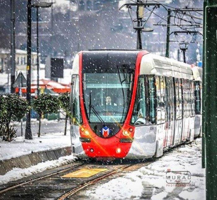 Δείτε την Κωνσταντινούπολη «πασπαλισμένη» με χιόνι