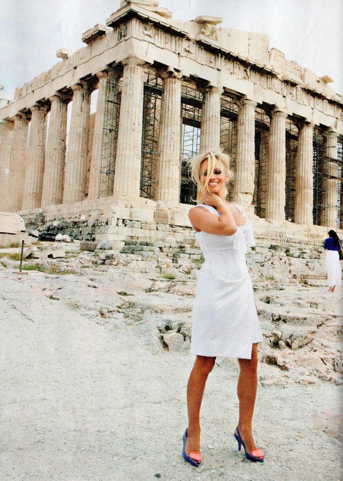 Πάμελα Αντερσον: Το τετ-α-τετ με τον Σάκη και τα 12ποντα στην Ακρόπολη - εικόνα 3