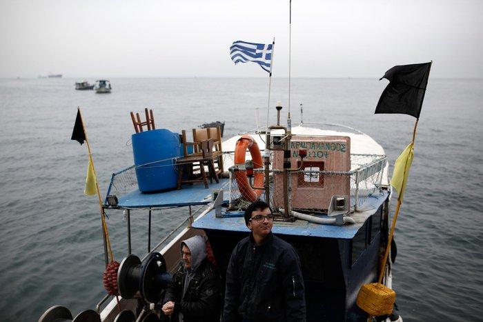 Τρακτέρ και καΐκια γέμισαν την παραλία Θεσσαλονίκης - εικόνες από το λιμάνι - εικόνα 7