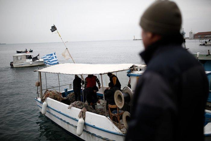 Τρακτέρ και καΐκια γέμισαν την παραλία Θεσσαλονίκης - εικόνες από το λιμάνι - εικόνα 10