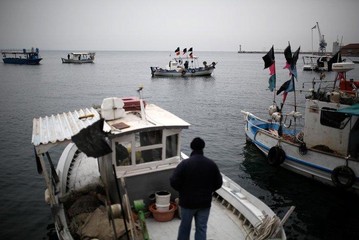 Τρακτέρ και καΐκια γέμισαν την παραλία Θεσσαλονίκης - εικόνες από το λιμάνι - εικόνα 15