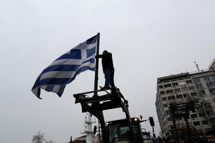 Τρακτέρ και καΐκια γέμισαν την παραλία Θεσσαλονίκης - εικόνες από το λιμάνι - εικόνα 19