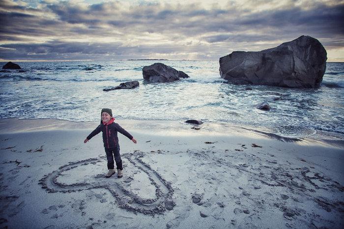 Έκαναν ταξίδι 28.000 χλμ. με το 4χρονο γιο τους για να γνωρίσει τον κόσμο - εικόνα 6