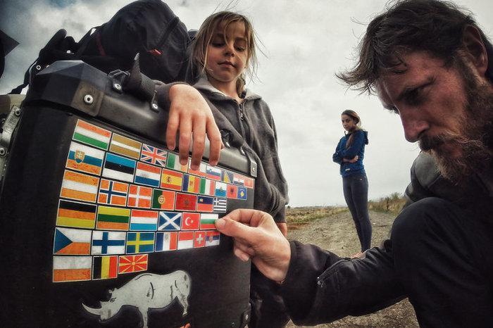 Έκαναν ταξίδι 28.000 χλμ. με το 4χρονο γιο τους για να γνωρίσει τον κόσμο - εικόνα 11