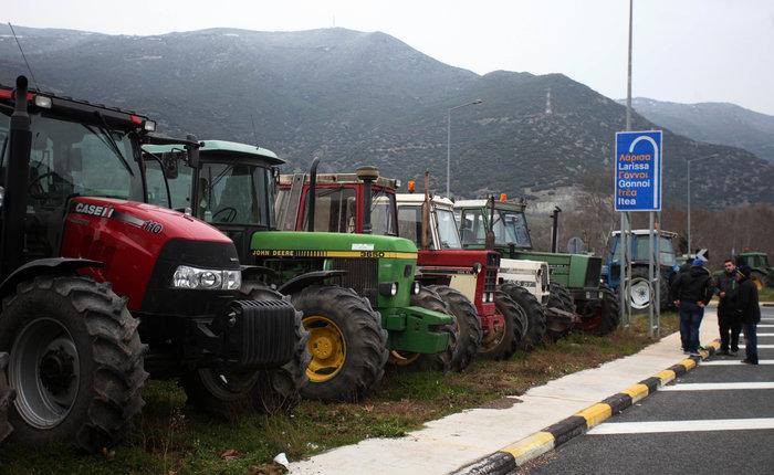 Σε πολιορκία η κυβέρνηση από αγρότες και επαγγελματίες - εικόνα 3