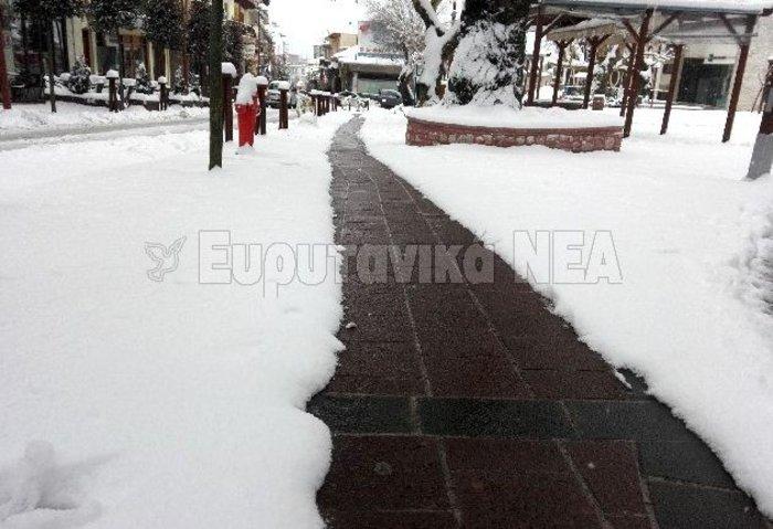 Η ελληνική πόλη που «δεν μασάει» από το χιόνι