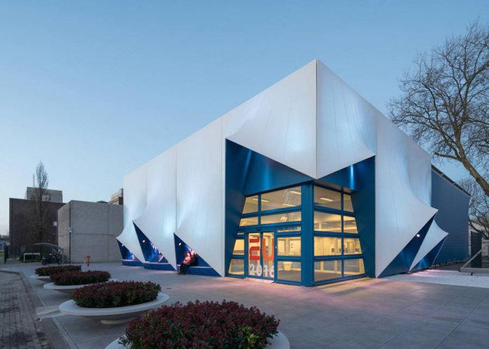 Ένα πανέμορφο 3D κτίριο από υλικά ανακύκλωσης