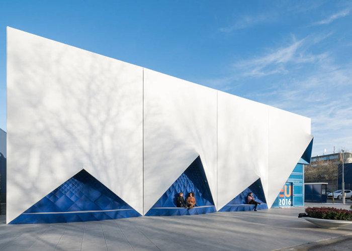 Ένα πανέμορφο 3D κτίριο από υλικά ανακύκλωσης - εικόνα 2
