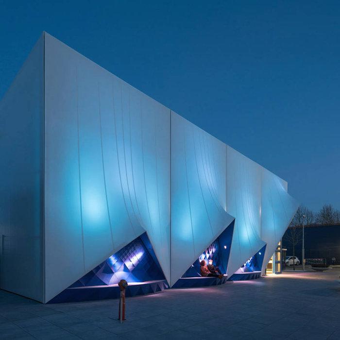 Ένα πανέμορφο 3D κτίριο από υλικά ανακύκλωσης - εικόνα 3