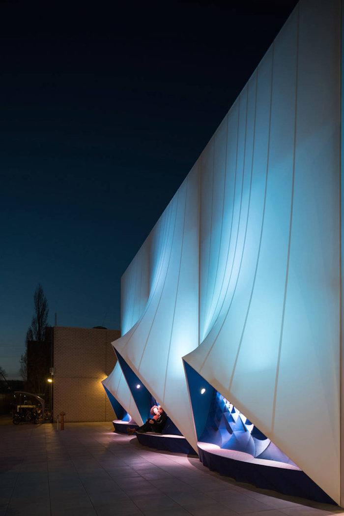 Ένα πανέμορφο 3D κτίριο από υλικά ανακύκλωσης - εικόνα 4