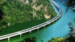 Η πιο περίεργη γέφυρα του κόσμου βρίσκεται στην Κίνα