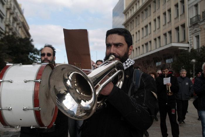 Πορεία μετά μουσικής καλλιτεχνών για το ασφαλιστικό - εικόνα 4