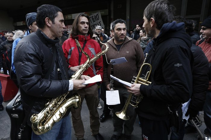 Πορεία μετά μουσικής καλλιτεχνών για το ασφαλιστικό - εικόνα 6