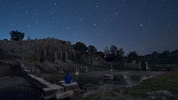 Ο Άγγελος Μακρής φωτογραφίζει τοπία υπό το φως των αστεριών