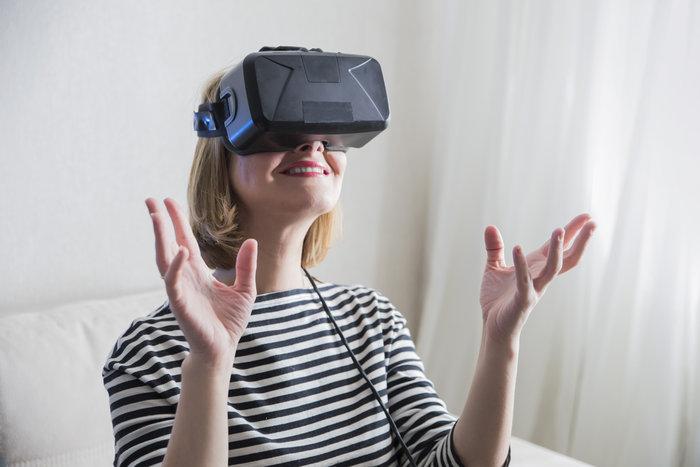 Δημοσιογράφοι δοκιμάζουν σεξ σε εικονική πραγματικότητα