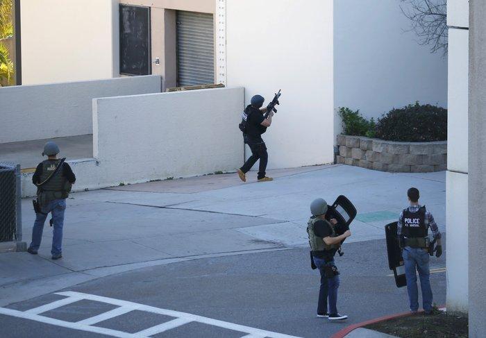 Πυροβολισμοί σε στρατιωτικό νοσοκομείο στην Καλιφόρνια - εικόνα 5