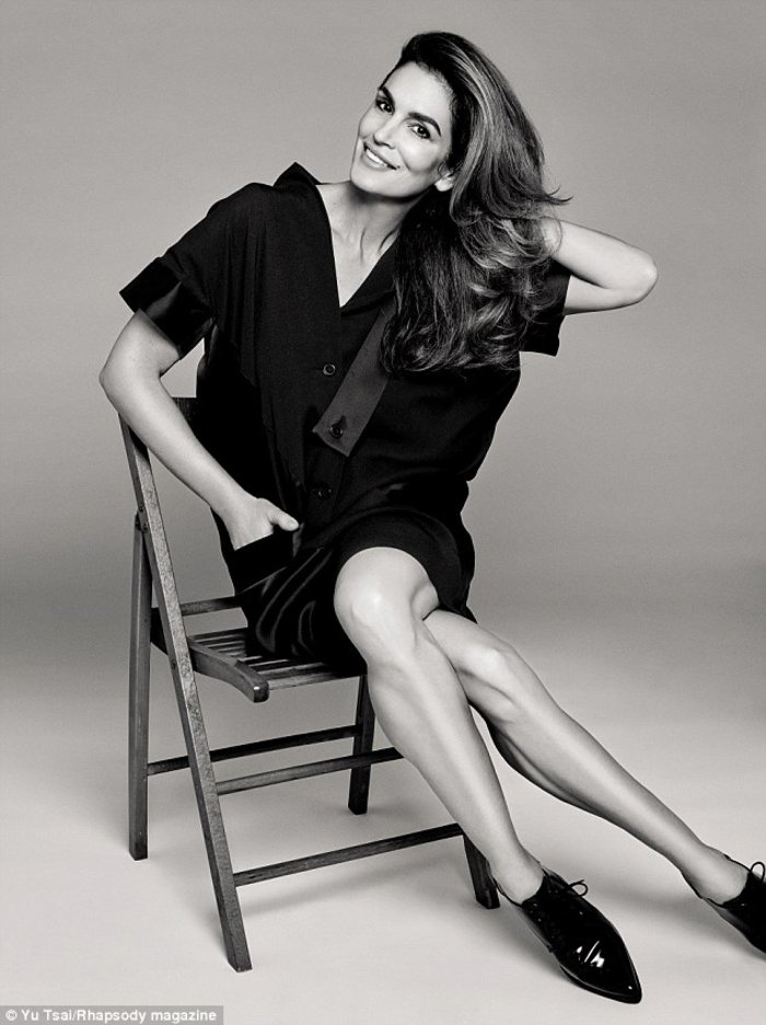 Σίντι Κρόφορντ: Σε λίγες μέρες γίνομαι 50 και αποσύρομαι από το μόντελινγκ - εικόνα 3