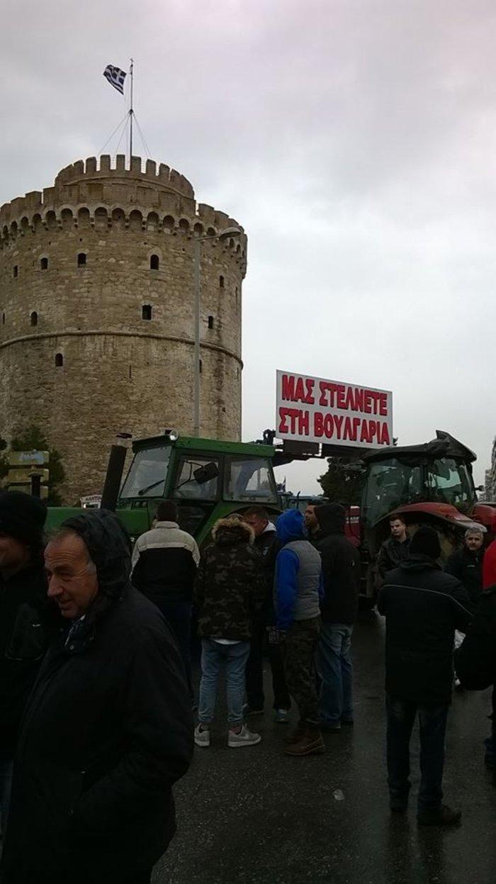 Τα πρώτα τρακτέρ έφτασαν στο κέντρο της Θεσσαλονίκης - εικόνα 3