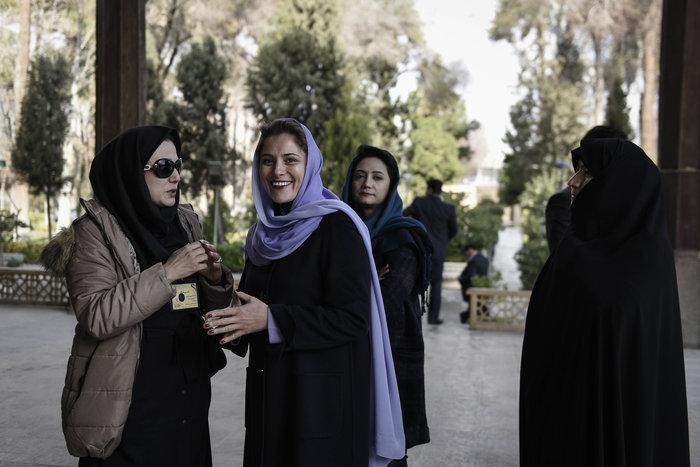 Ο Τσίπρας στο Εσφαχάν και η Μπέτυ Μπαζιάνα με μαντίλα - εικόνα 2