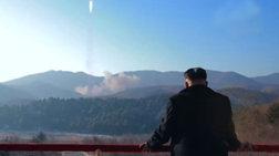 Ο Κιμ πανηγυρίζει για την εκτόξευση του πυραύλου