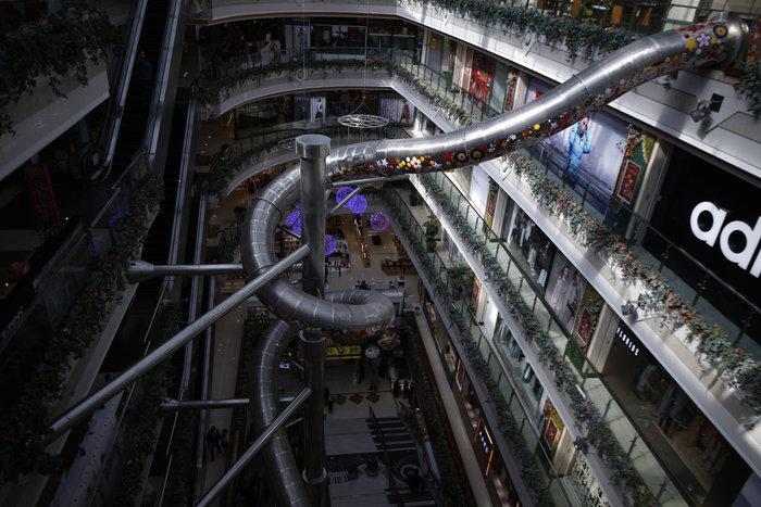 Τσουλήθρα - τέρας σε εμπορικό κέντρο της Σαγκάης - εικόνα 3