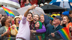 Ενθουσιασμός για τον πρώτο πρωθυπουργό που θα παρελάσει στο Gay Pride