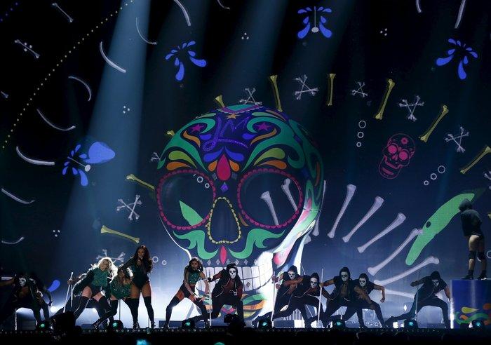 Xoρογραφία της Ριάνα έβαλε «φωτιά» στα Brit Awards - εικόνα 3