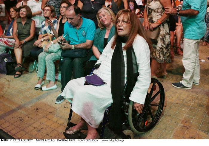 Χρονοπούλου για Λαζόπουλο: Είμαι και εγώ καθηλωμένη σε αναπηρικό καροτσάκι