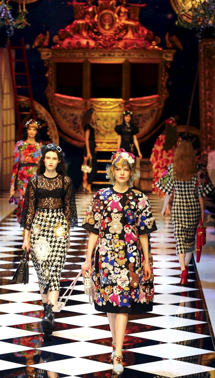 Εικόνες από τo εκπληκτικό σόου των Dolce & Gabbana στο Μιλάνο - εικόνα 2