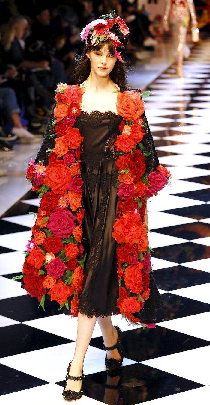 Εικόνες από τo εκπληκτικό σόου των Dolce & Gabbana στο Μιλάνο - εικόνα 4